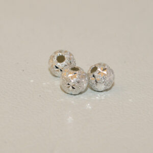 Silverpärlor, stjärna